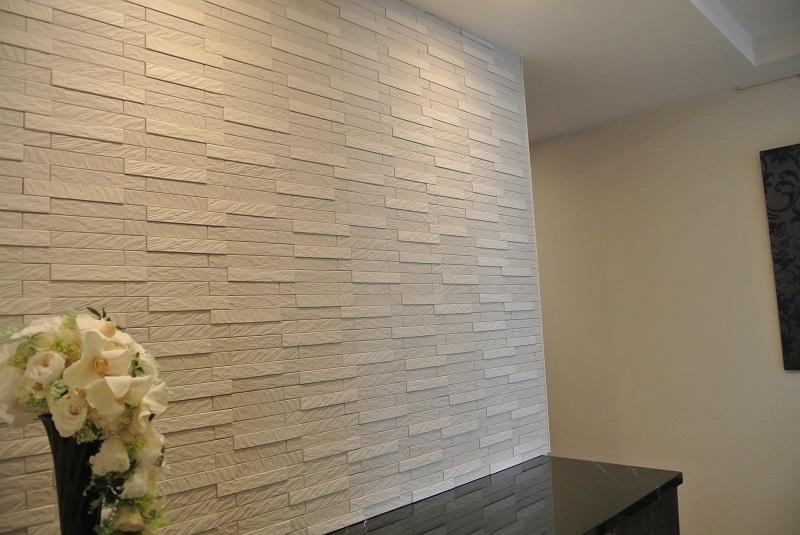 玄関のエコカラットプラスグラナスルドラ